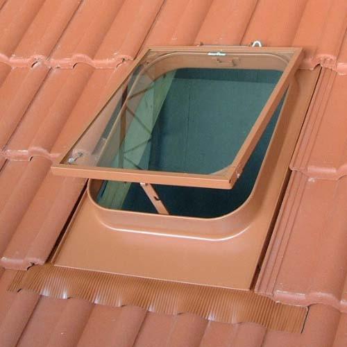 Universal Dachfenster farbeschichtet